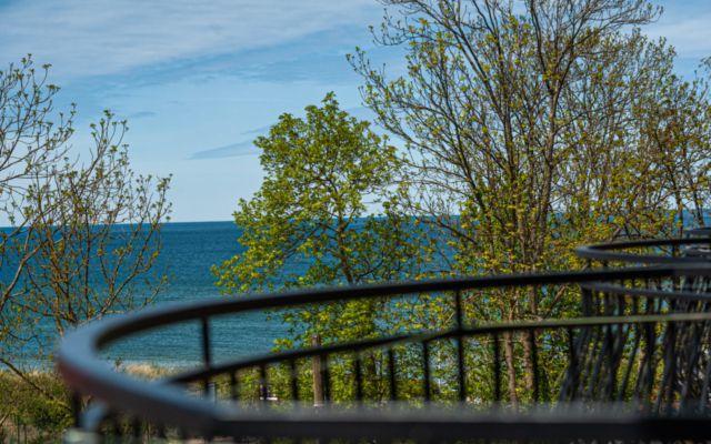 Widok na morze z zachodniego balkonu pokoju KOMFORT w Pensjonacie Słoneczna Rafa